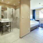 Photo of Double room, separate toilet and shower/bathtub, 1 bed room