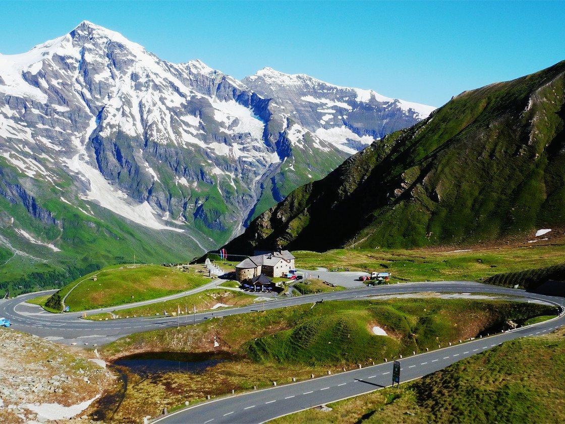 Высокогорная платная дорога Глосглокнер названа именем высочайшей вершины Австрии