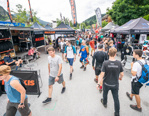 UCI MTB DHI Weltcup and Out of Bounds Festival Expo Area Leogang | © Stefan Voitl