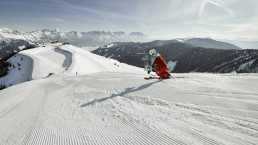 Skiing at the Asitz on fresh  slopes | © Lolin
